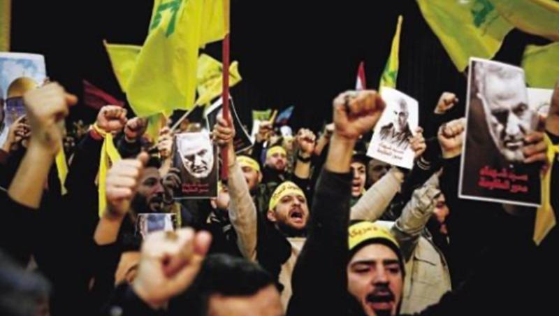 「美國將為罪行付出代價。」蘇萊曼尼被殺讓伊朗舉國激憤,但兩國全面開戰的可能性並不大。_