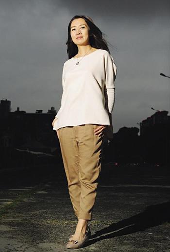 鄧惠文從精神分析師的專業出發,想要前進國會,做她擅長的溝通協調。