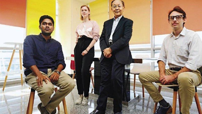 N次貼賣到70多國,聚和董事長郭聰田說,「這些在台灣 的國外業務,回自己國家後,很多都成為當地的代理商。」