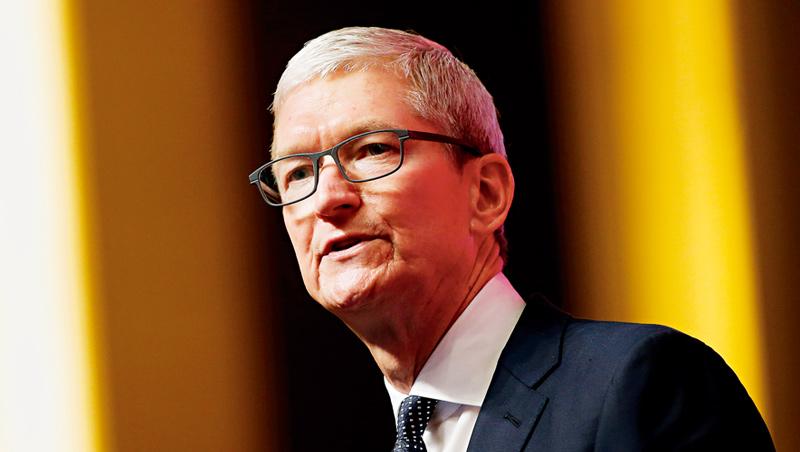 受到肺炎疫情衝擊,蘋果執行長庫克開第一槍,成為首家對營收釋出預警的美國大型企業。