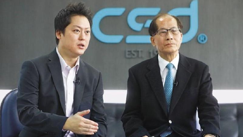中衛總經理 張豐聯(右)營運長 張德成(左)