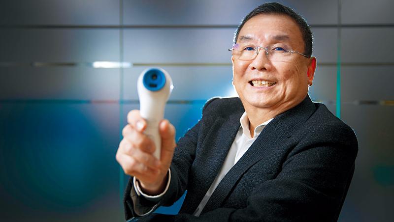 豪展董事長莊明輝表示,當年客戶拒絕了當家產品紅外線額溫槍,看競爭對手額溫槍大賣,馬上主動聯繫「一定要幫我趕出(貨)來!」