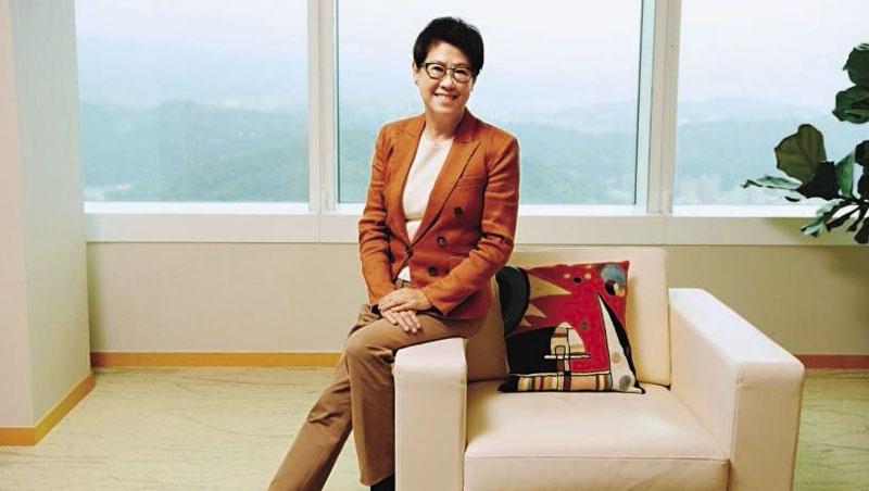 張振亞受訪時不斷提及「策略」,她指出零售市場劇變,更需要專業經理人操刀。