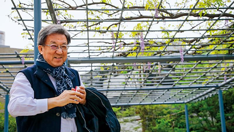 打造日本避暑勝地輕井澤的優雅氛圍,中環董事長翁明顯在台北避暑勝地陽明山引種日本紫藤,希望10年後,能在比夢園區看到紫色花海瀑布。
