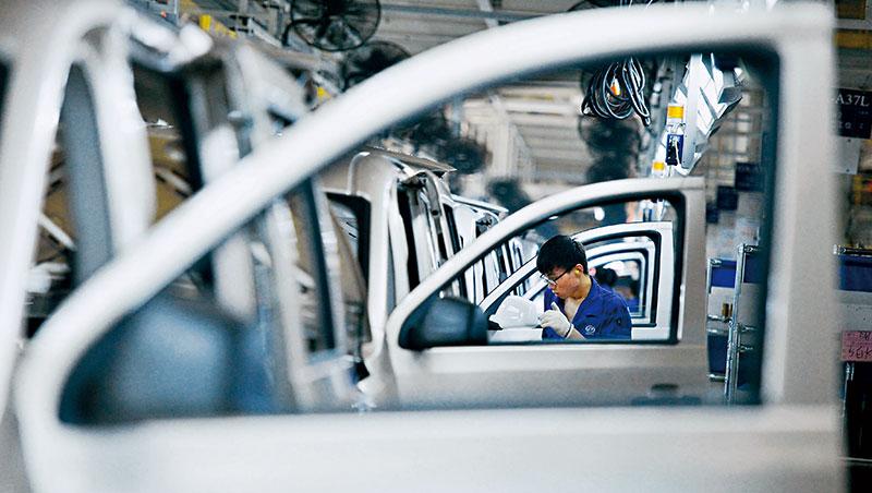 中國竟然有8成車廠的產能利用率不到60%,60%被中國車界視為生死線,這也預告車廠淘汰賽即將開始。