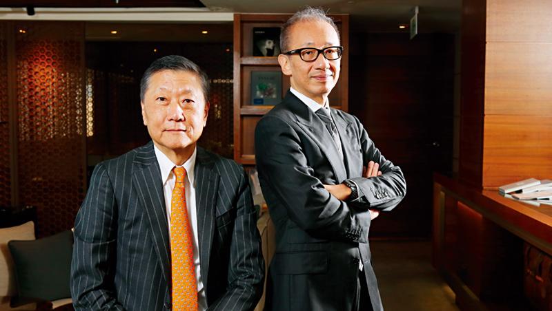 雄獅旅行社創辦人兼董事長 王文傑(圖左)、晶華國際酒店集團董事長 潘思亮(圖右)