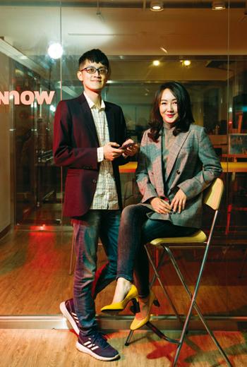 FunNow執行長陳庭寬(左)和全球策略長張家甄(右),從荷蘭返台創業,要在台灣種下不怕失敗、溝通直接的荷式新創文化種子。