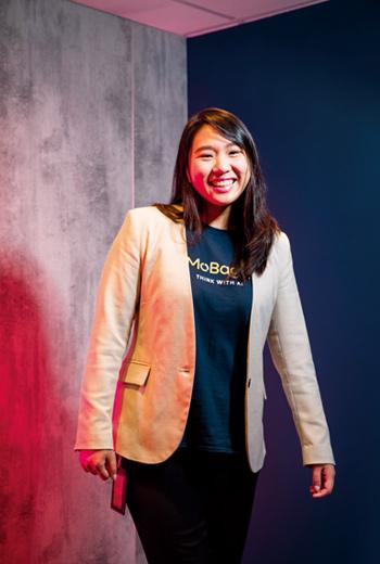 1988年出生的王易如,認為比起成功,更害怕失去既有的文化,讓許多亞洲企業不敢踏出去,因此她想把矽谷的放手一搏心法帶回台灣。