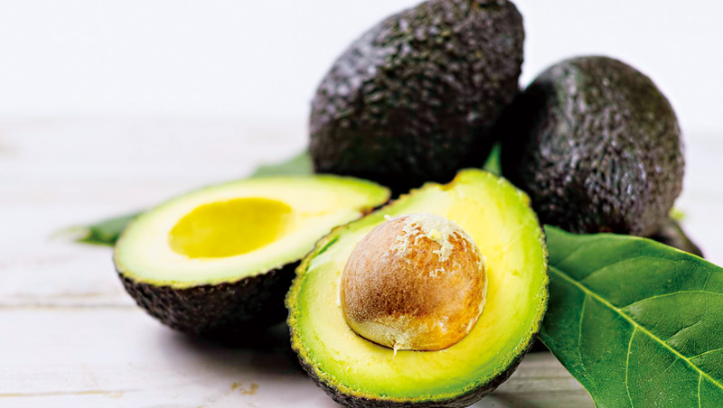 財經媒體《富比世》說,鮮皮搶救酪梨的成績單證明,食物保護膜技術有助解決食物浪費,可能是改變賽局的武器。