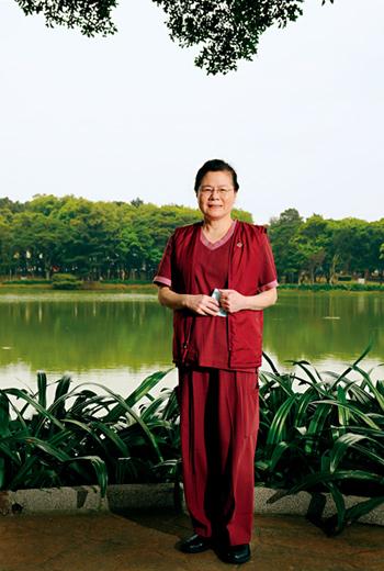 中華民國呼吸治療師公會全國聯合會理事長:蕭秀鳳