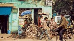 多存點錢就能買車,印度工人卻堅持只租不買?靠權宜之計救急,只會愈活愈窮