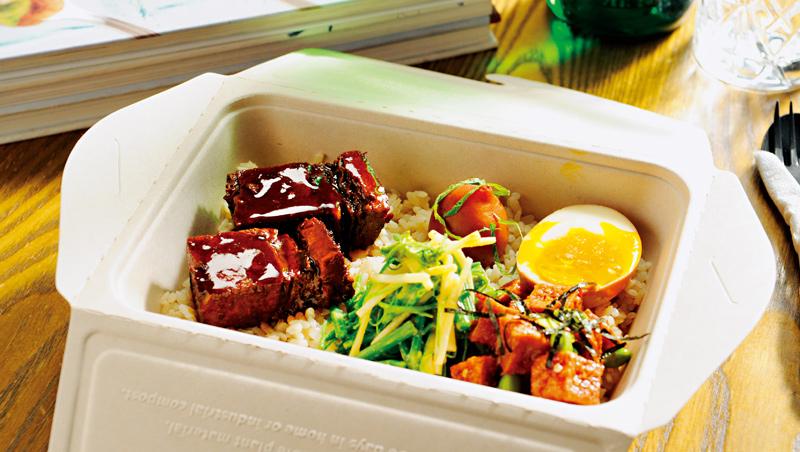 這款「麻辣嫩牛胸飯」香味十足,辣味不會太明顯,很符合台灣人口味。
