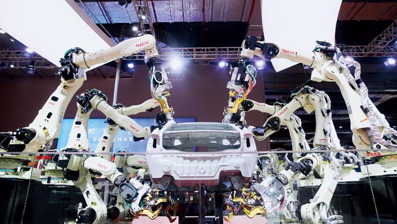 工業電腦前景佳,美銀報告稱,到2025年,工業機器人數量將翻一倍,達500萬台。