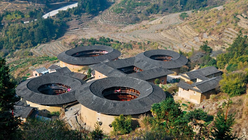 中國福建土樓是傳統民居永續發展的典範。