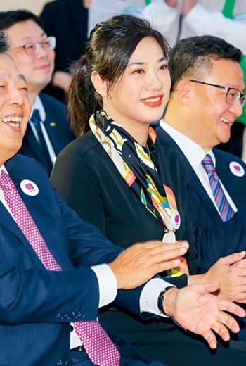 新光金董事、副總經理:吳欣儒(中)
