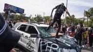 川普說美國暴動怪它》什麼是Antifa?主張有時採用暴力是合理方式