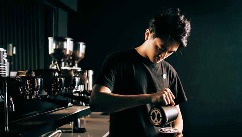 林子軒從15歲在餐廳打工,就迷上拉花。他認為拉花的魅力在於,一體成形,15秒即見結果。