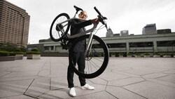 Gogoro發表電動自行車》陸學森:我賣的不是車,是「智慧輪子」