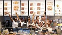 49秒做出6杯咖啡、關店潮中跨國展店,這家餐廳訓練員工的秘密:詠春拳