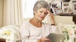 65歲富婆,才十年就花光上億退休金!如果能重來,她絕不再犯這件「蠢事」
