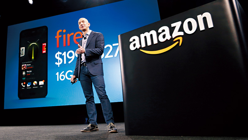 亞馬遜創辦人貝佐斯寧可虧錢、也要投資未來,被《哈佛商業評論》形容為新商業模式的開創者,這也是他站穩藍海市場的關鍵。