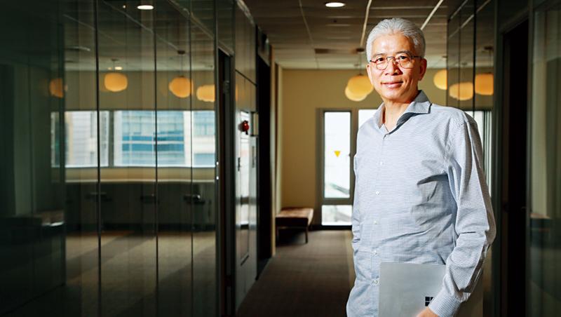 孚創雲端辦公室位於鴻海在內湖基湖路的大樓,執行長周延鵬說:「走進這層樓,你會感覺到和鴻海完全不同的組織文化。」