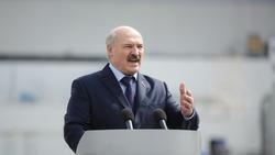 白俄羅斯上萬人示威!靠舞弊連任、稱國家不適合女性領導...「歐洲最後的獨裁者」是誰?