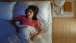 睡前腦袋還停不下來?一夜好眠的科學秘訣:寫下所有待辦事項,盡量寫!