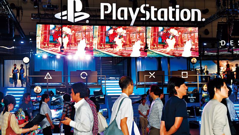 《華爾街日報》用金礦形容PS遊戲主機對索尼的地位。這家硬體巨人如今已轉型為「軟硬兼施」。