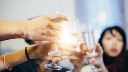 新人拒喝酒被賞巴掌》給主管的一堂課:真正的領導力,不是讓員工服從