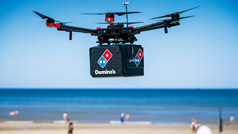 達美樂用各種高科技推進外送服務,無人機也在其中。長期經營外送,讓該公司在疫情期間,贏過對手必勝客。