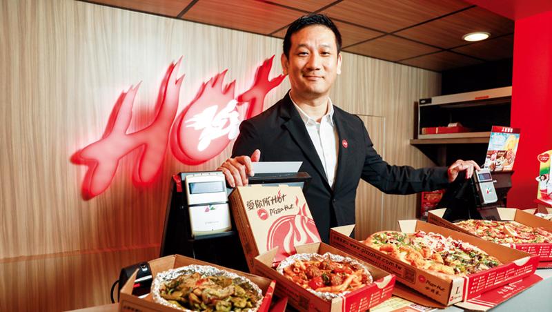 攤開拉麵等奇異口味的披薩,必勝客台灣總經理梁家俊一上任就顛覆產品設計:「我們要當電商,一切要快!」