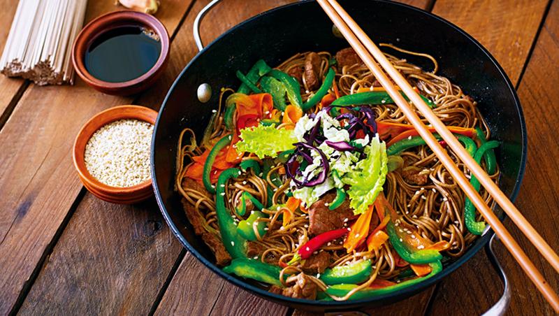 蕎麥麵以涼拌方式處理,也適合台灣的飲食習慣。