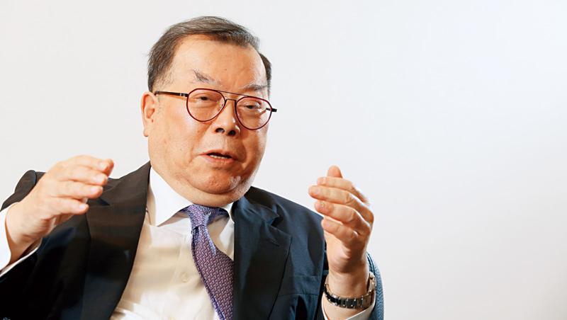 力晶集團創辦人、董事長;力積電董事長黃崇仁