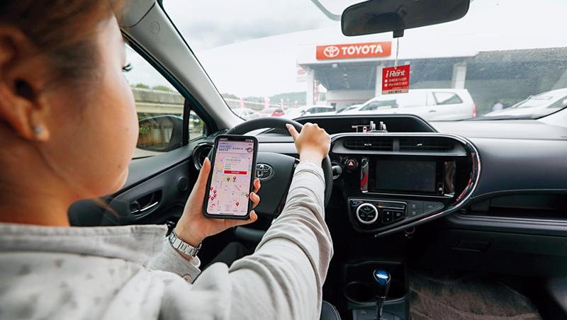 和運用自助式租車服務,培養消費者「不買車、也能隨時移動」的使用習慣,替訂閱制鋪路。