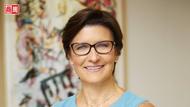 華爾街大銀行「史上第一位女性CEO」誕生!她是誰,憑什麼打破性別天花板?