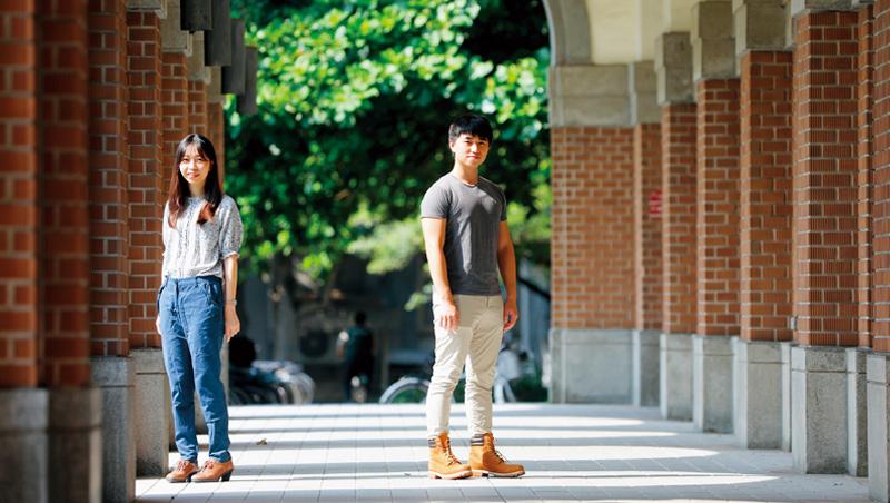 花一樣的時間,雙聯學位就讓兩位台大生拿兩個學位、雙倍機會。