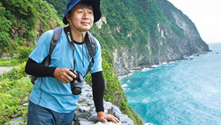 開往花蓮的黃金列車》55歲以後的賞鯨假期,他體悟:順應風浪,就能適應大海