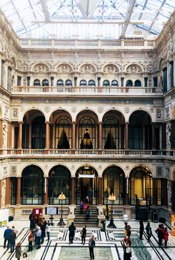 倫敦外交部是打開倫敦的熱門景點,建築設計盡顯大英帝國輝煌。