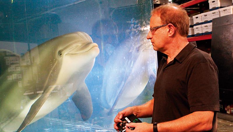 科技公司打造逼真的機器海豚,希望能取代水族館內的活體動物,讓海洋娛樂產業以更人道的方式經營。