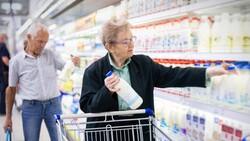 大賣場鮮奶、優酪乳,中午買最新鮮?20年量販店經理公開「選購撇步」