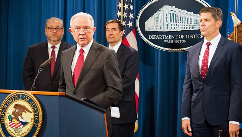 2018年11月美國司法部大動作開記者會,宣布依商業間諜罪起訴福建晉華與聯電。