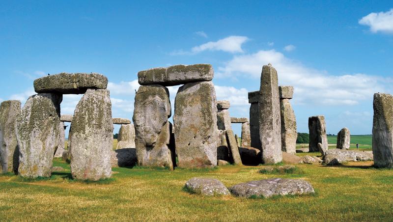構築於新石器時代的英國巨石群對天文學的意義及興建目的仍眾說紛紜,是世界著名的未解之謎。