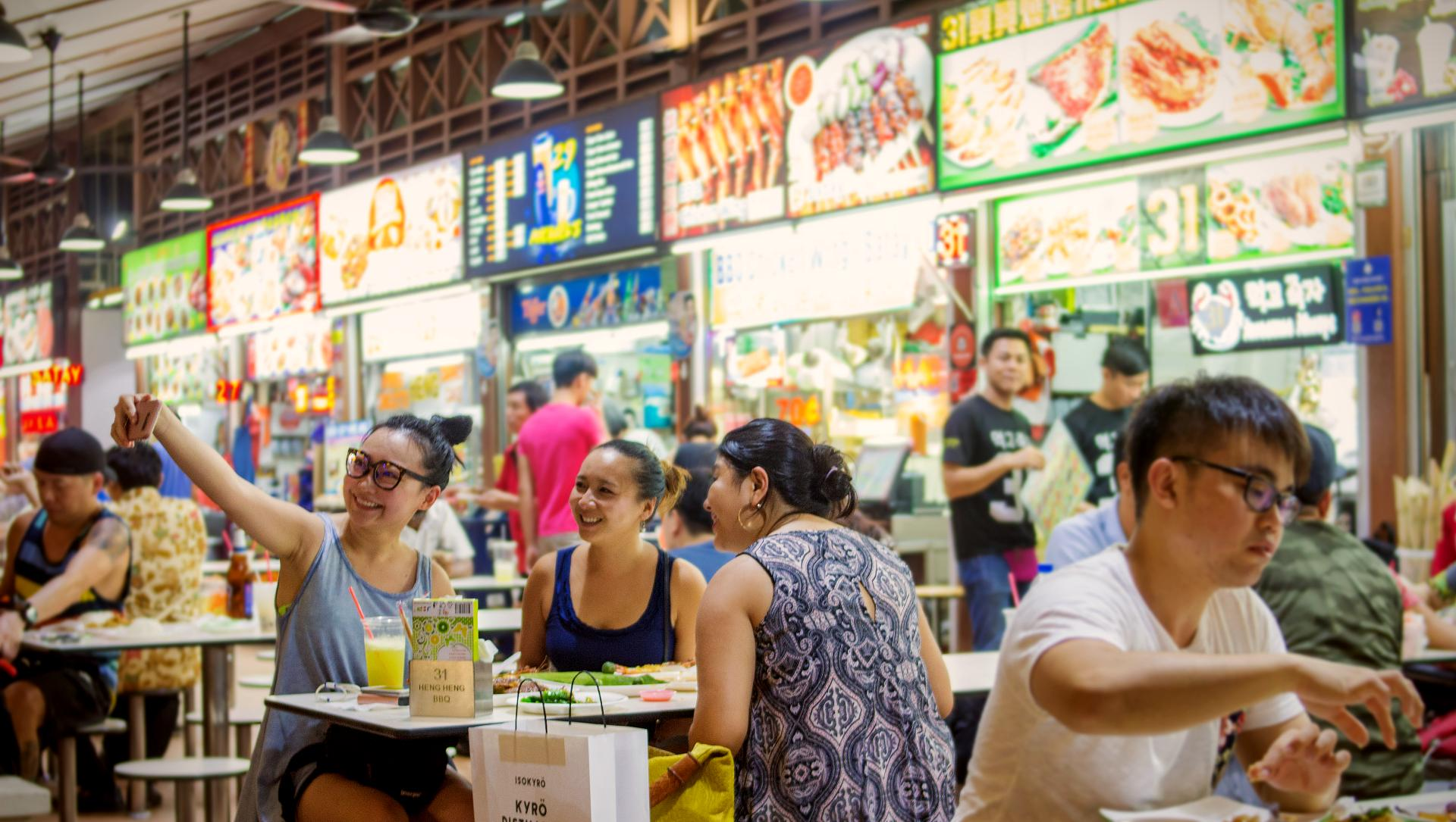 新加坡知名的紐頓熟食中心。
