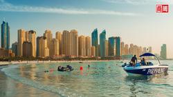 遊客和經濟,比命重要?杜拜開大門迎接全球旅客,確診數增三倍照樣開趴