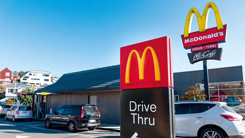 「常有人問為何某樣餐不見了?我總回答:『因為賣不好!』」執行長阿K將達爾文主義進行到底,或許是麥當勞突圍關鍵。