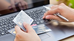 信用卡分級制 大戶回饋狂電大大