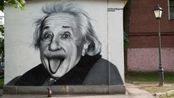 德國之聲》愛因斯坦142歲冥誕:經典的吐舌照怎麼來的?