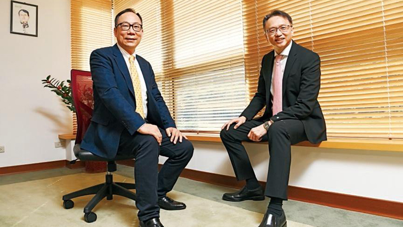宏碁董事長陳俊聖(右),每季都會跟林佳璋主持一次溝通會