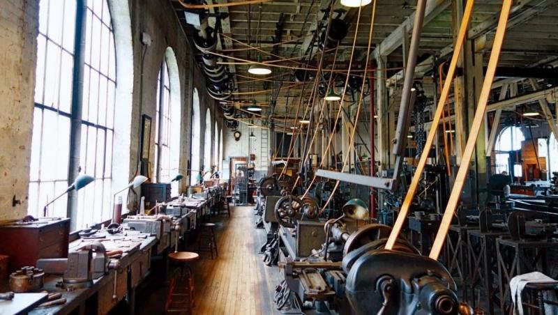位於西奧蘭治的愛迪生國家紀念公園,一樓工廠設置各式機械裝置。
